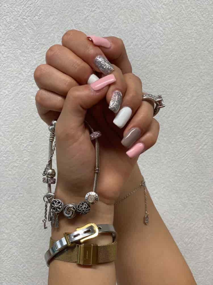 Nageldesign-1-Roya-Beauty-Salon